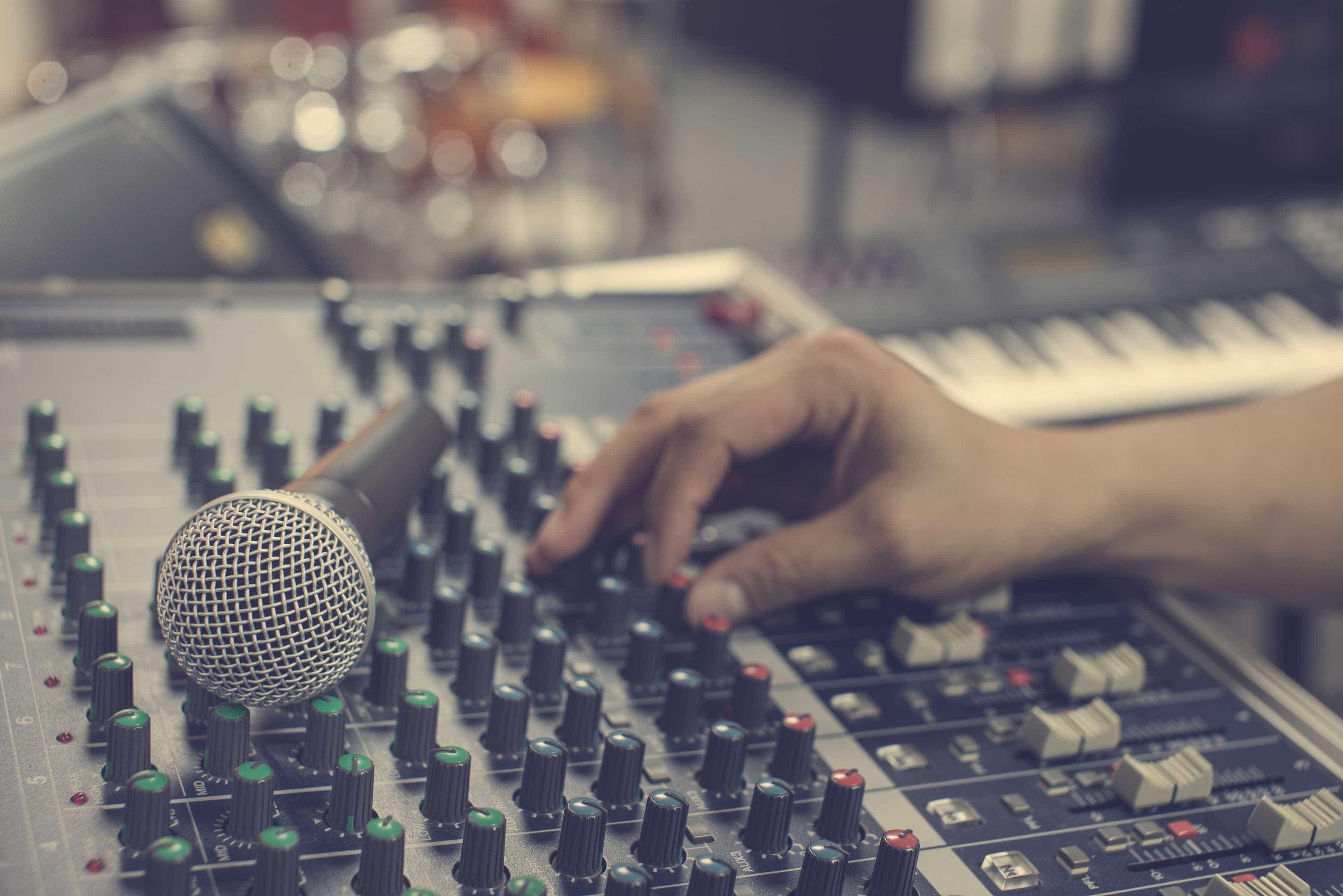 Dany Silva celebra 40 anos de carreira e edita novo álbum em julho