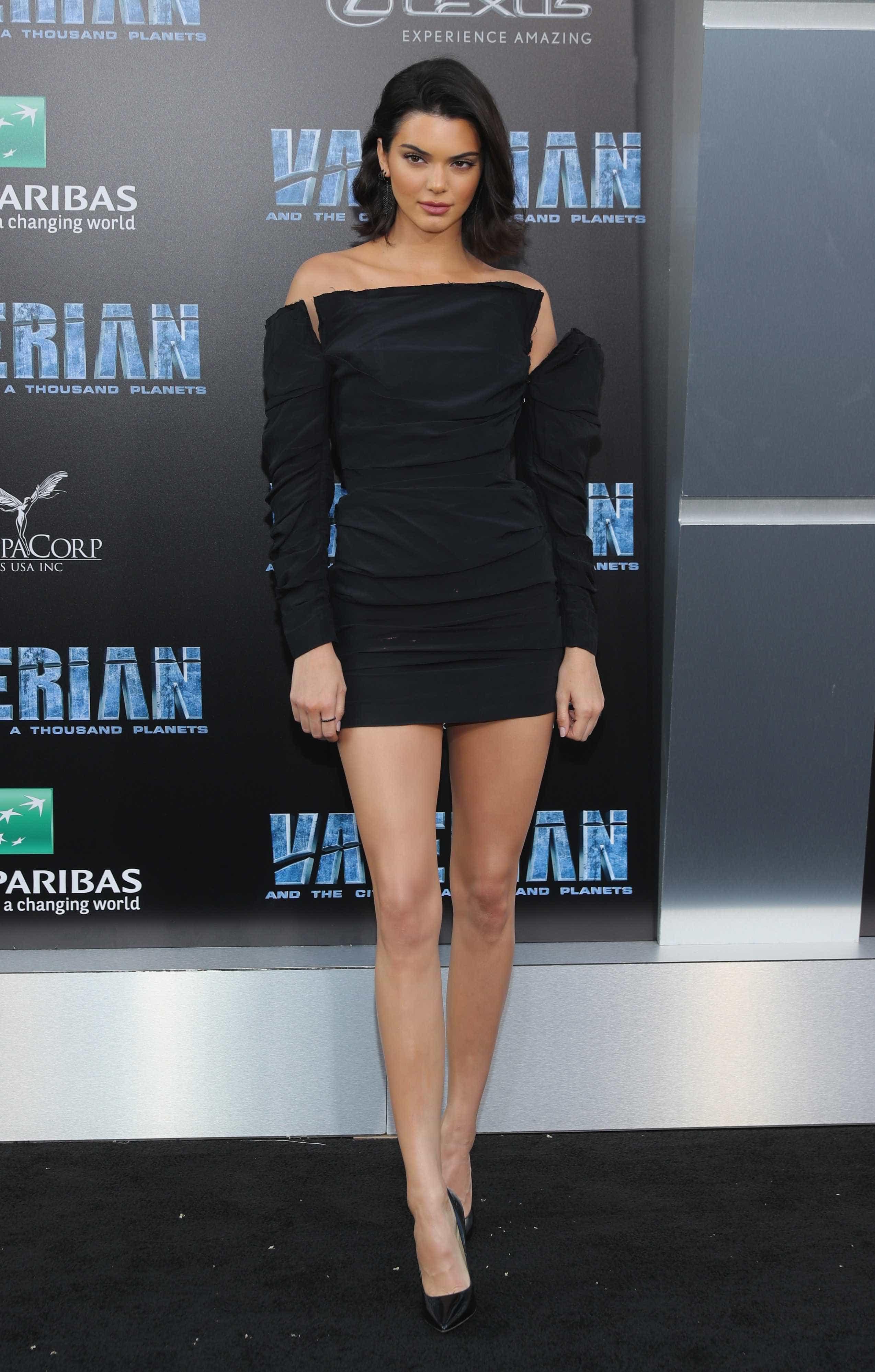 Uau! Kendall Jenner surge completamente nua na Vogue Itália