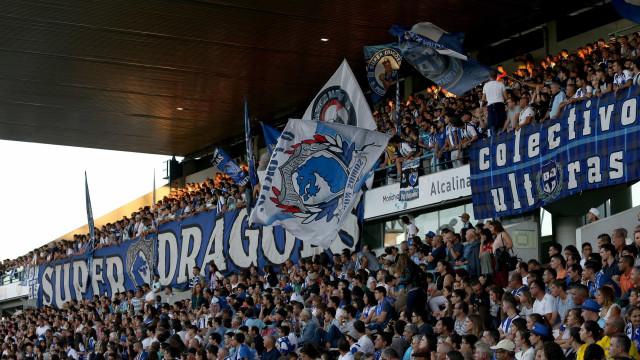 Super Dragões reagem a encontro de Madureira com Paulo Gonçalves