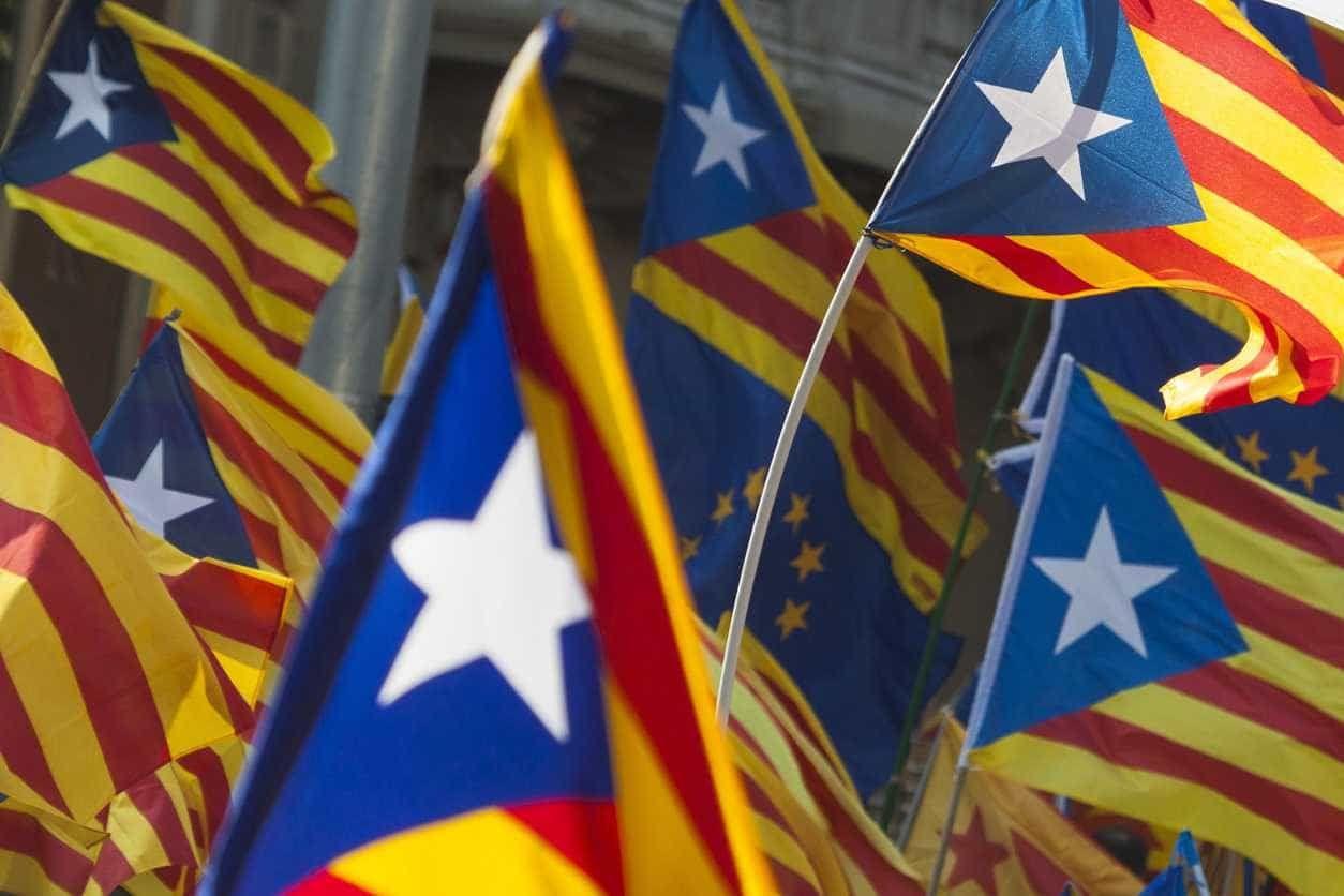 Grupo que luta pela independência da Catalunha corta autoestrada