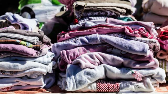 Desmantelada rede de contrafação de vestuário e calçado. Há 25 arguidos