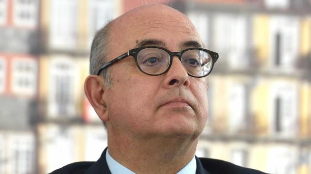 Azeredo Lopes, um ministro com uma passagem atribulada pelo Governo