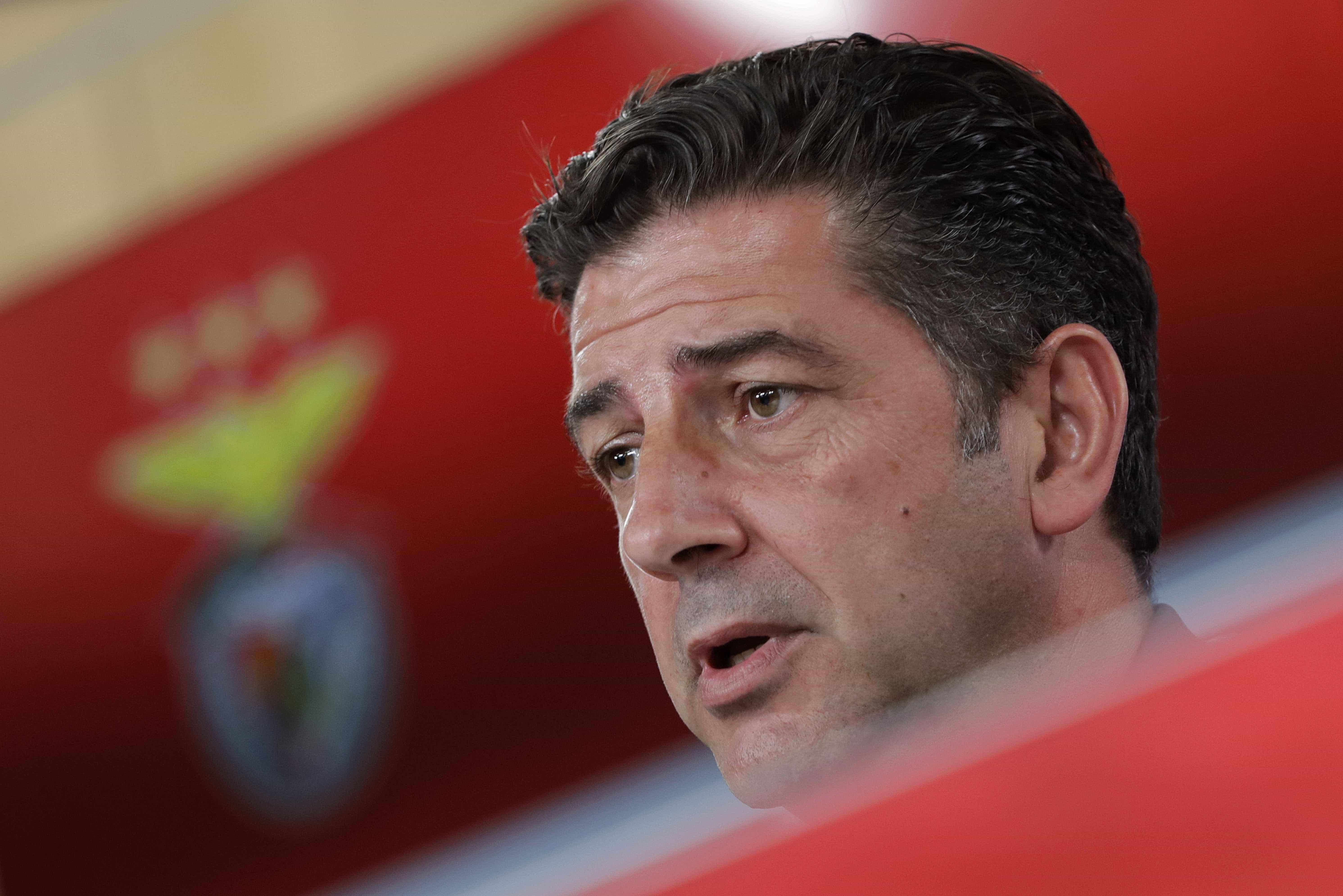 Luís Filipe Vieira mantém Rui Vitória no comando do Benfica