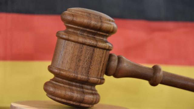 Pena perpétua para alemão que envenenou sandes de colegas durante anos