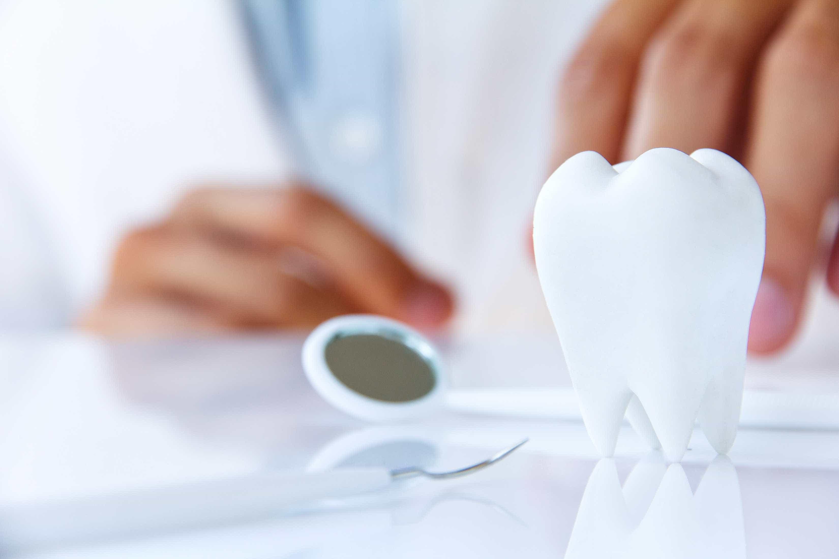 Equipamento inovador permite próteses dentárias em meia dúzia de cliques
