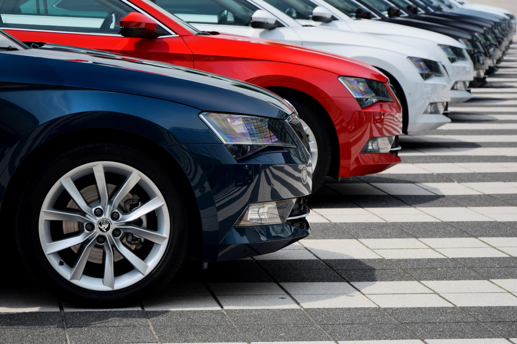 Novo crédito automóvel caiu 18% em janeiro para 222 milhões