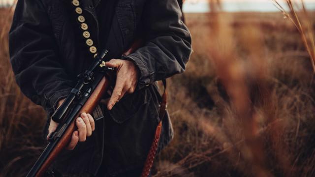 Multa de 250 euros e pena suspensa por caçar durante a noite