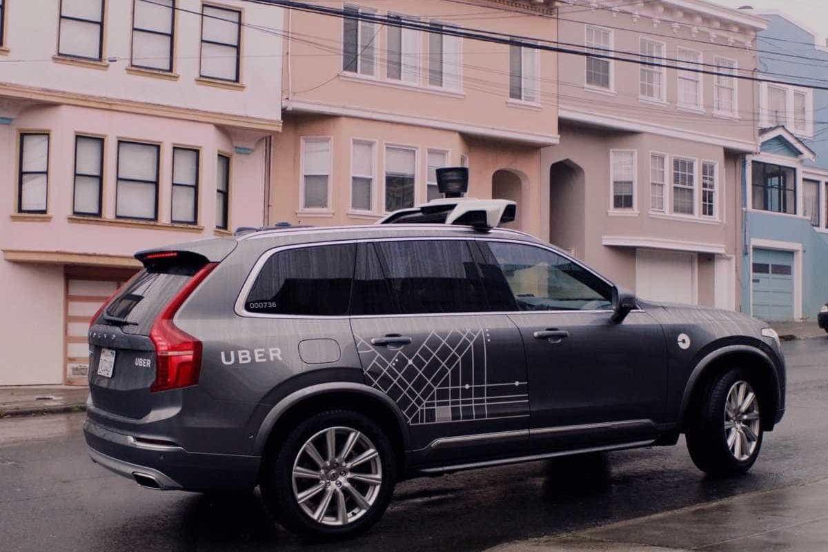 Uber quer voltar a testar carros autónomos em estradas públicas
