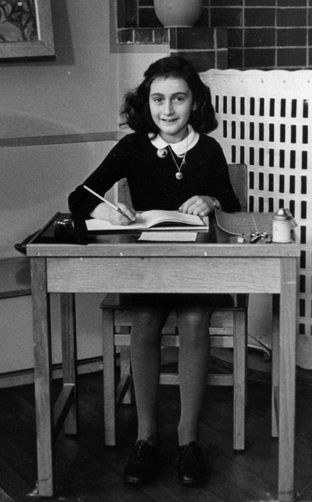 Israel critica citação de Anne Frank em tweet do governo catalão