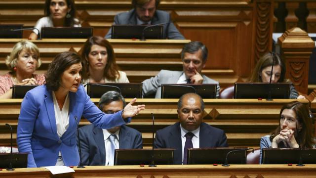 Líder do CDS rejeita acusação de Rui Rio de falta de sentido de Estado