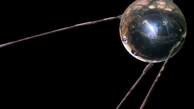 Faculdade de Ciências do Porto mostra réplica do satélite Sputnik I