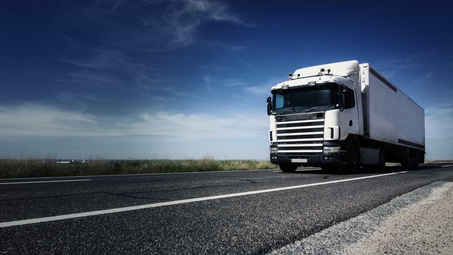 5463dda9421 Motoristas de transportes de mercadorias ponderam juntar-se à greve