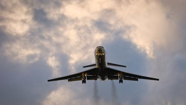 Avião. Se tiver problemas com a viagem, já pode reclamar online