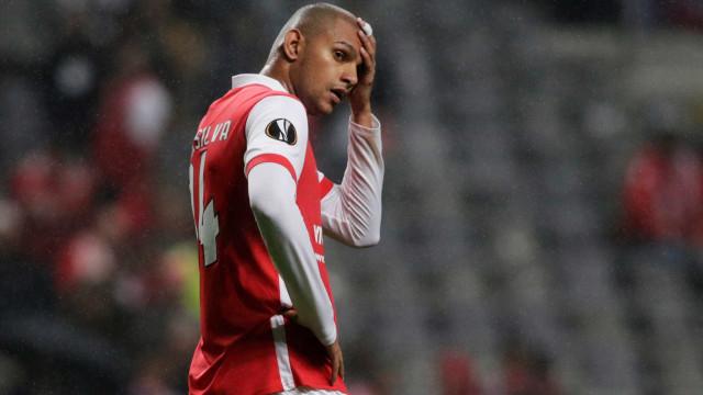 Raúl Silva, central do Braga, suspenso dois jogos por agressão a Acuña