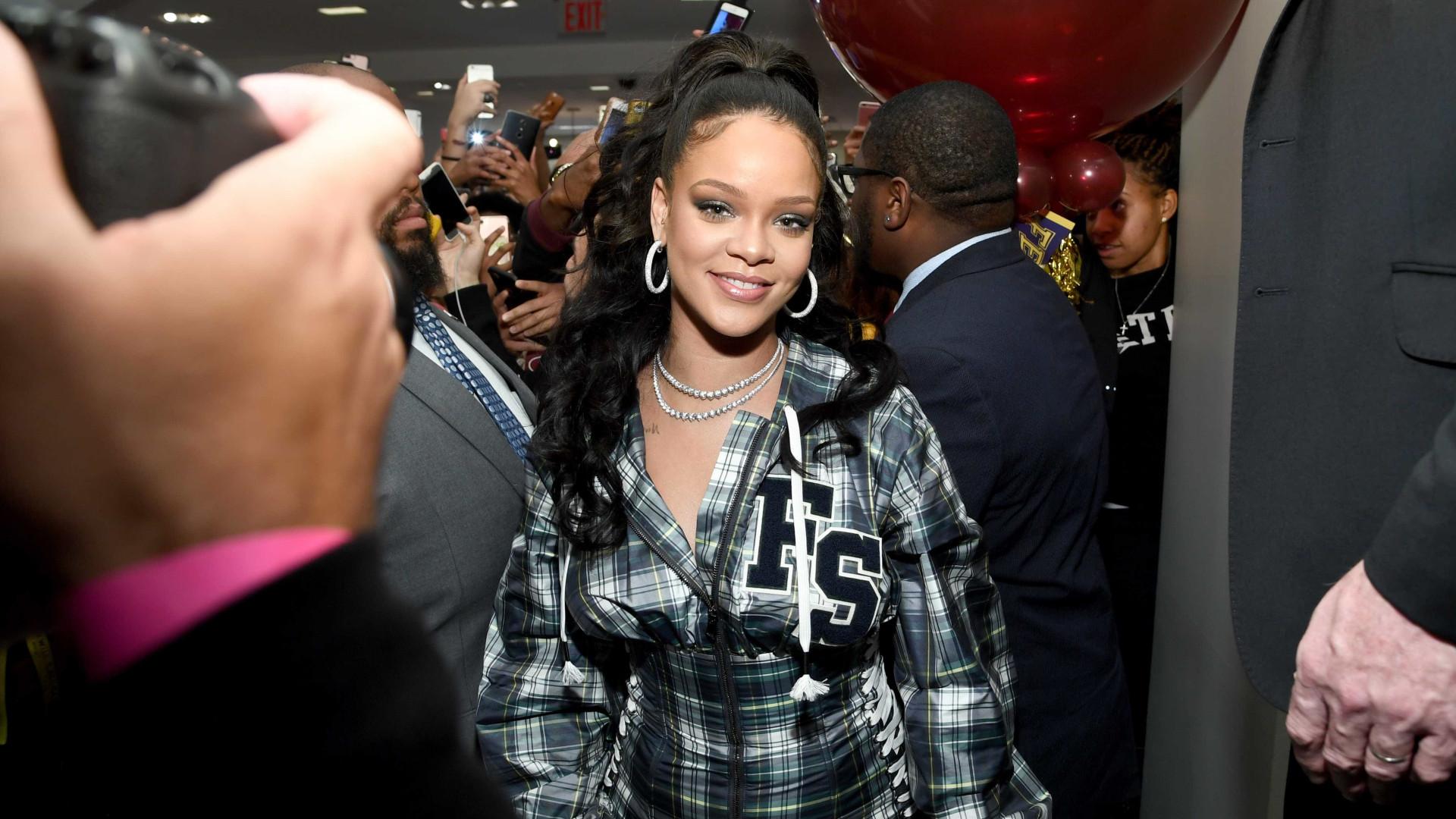 758ded157e Rihanna prepara-se para lançar linha de lingerie