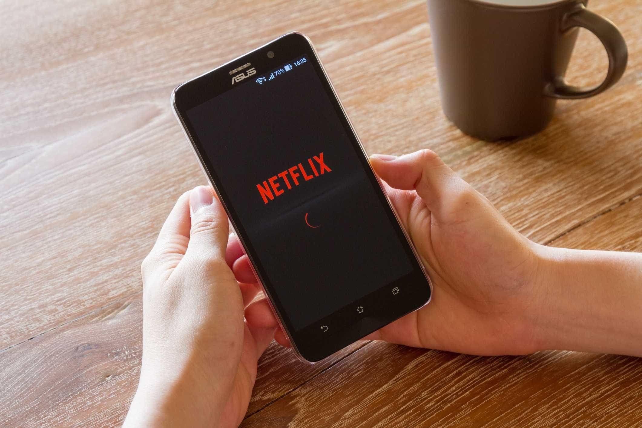 Uma das opções mais úteis da Netflix já chegou ao iPhone