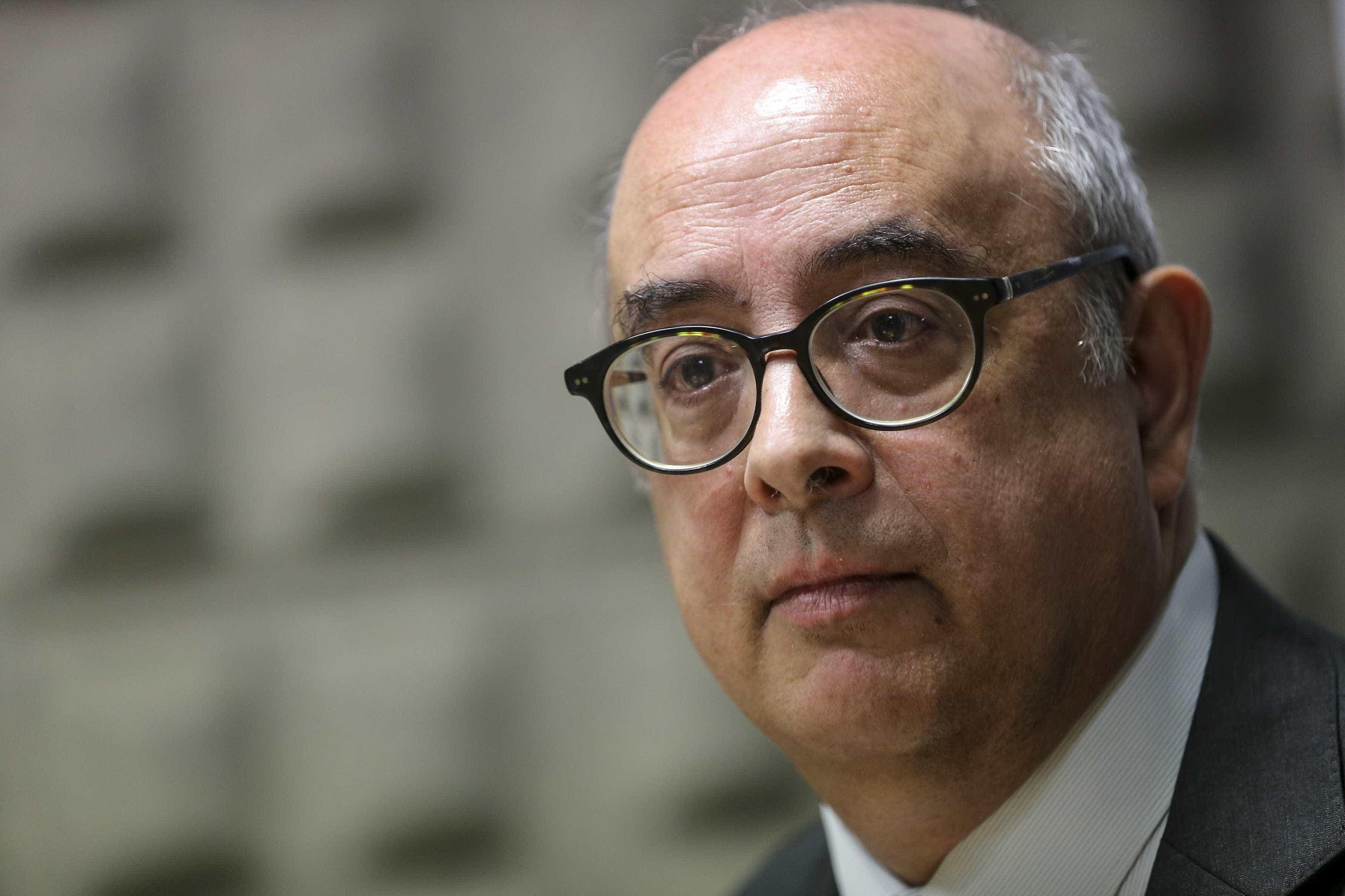 Ministro da Defesa em risco de ser constituído arguido na Operação Húbris