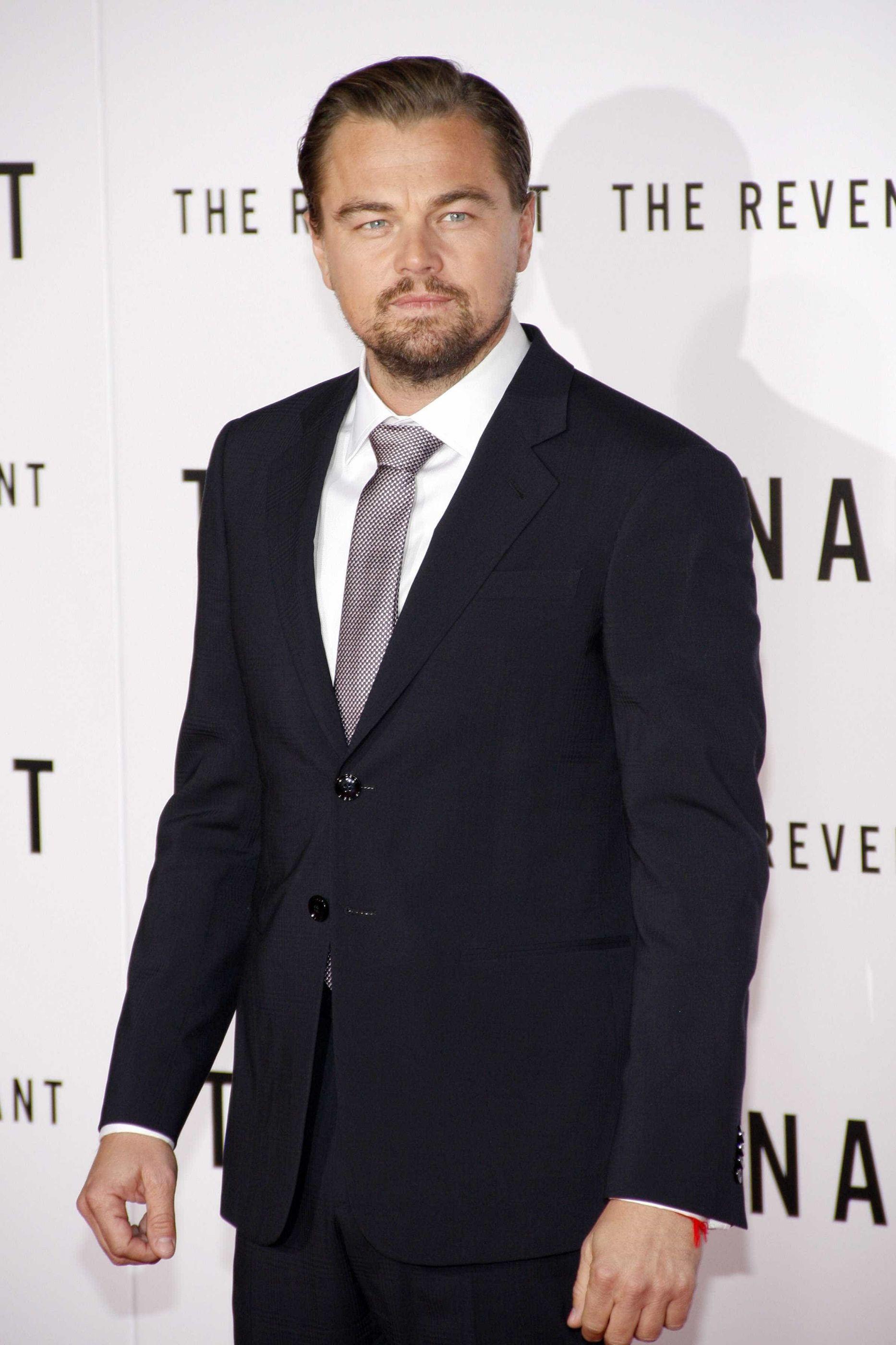 Leonardo DiCaprio deve dinheiro de jogo de póquer a cantor