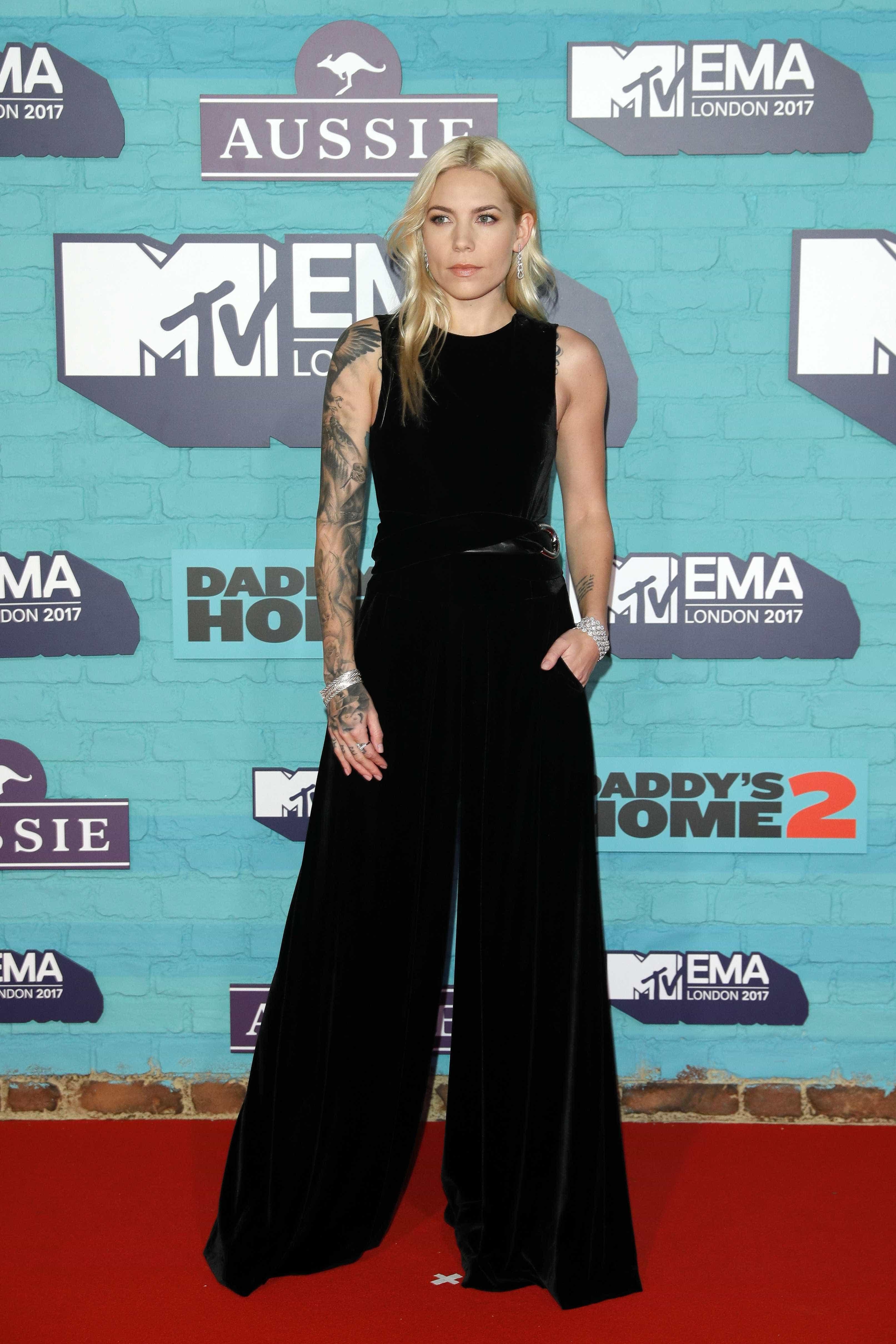 Saiba quem esteve na passadeira vermelha dos MTV EMA 2017