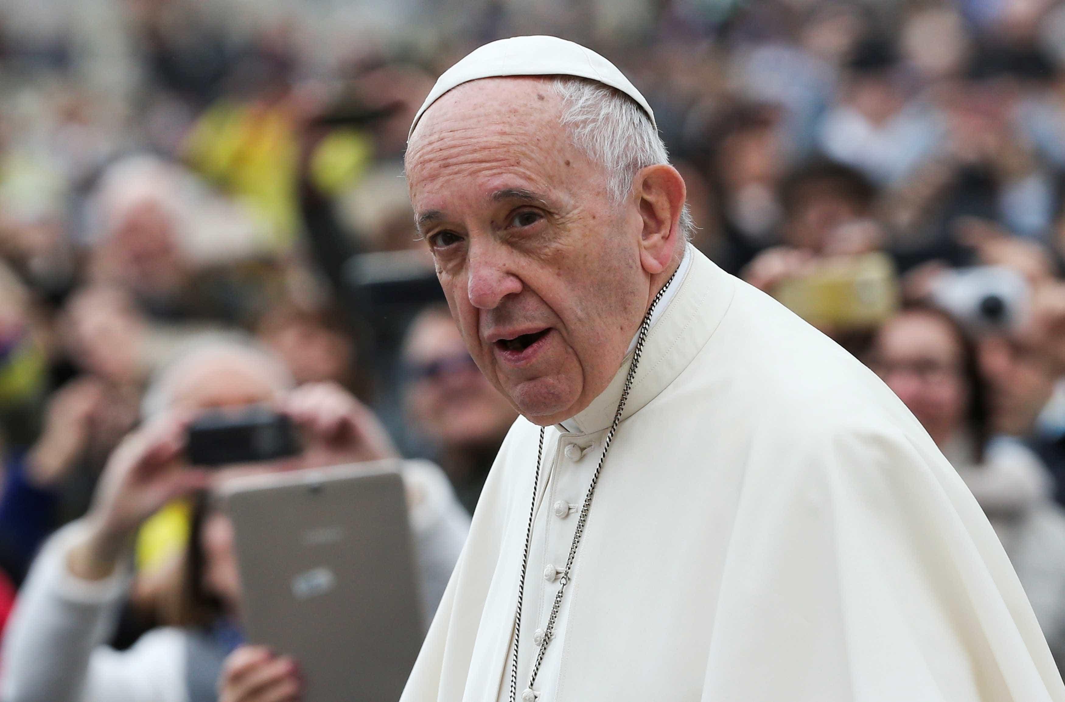 Papa diz que é melhor viver como ateu do que ir à igreja e odiar outros