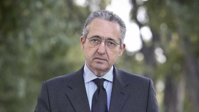 """PS e PSD sobem nas sondagens porque """"fator partido novo"""" desapareceu"""