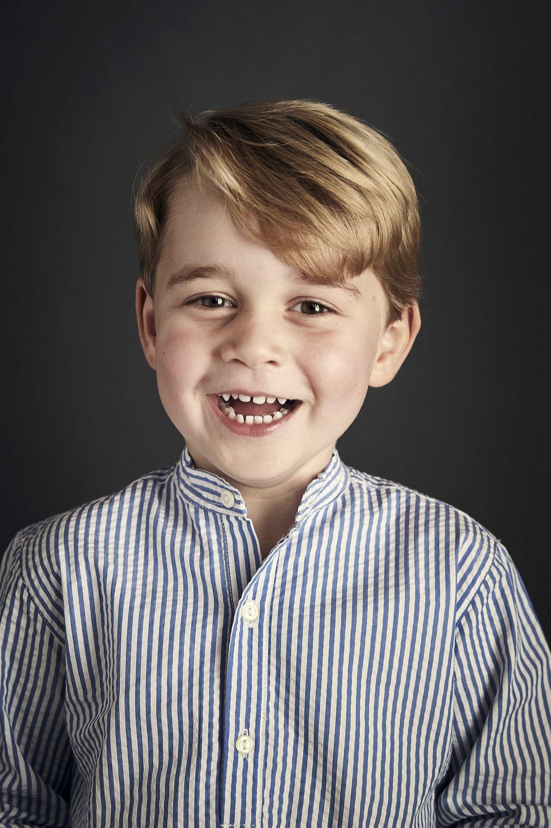 """A nova """"obsessão"""" do príncipe George segundo o pai, William"""