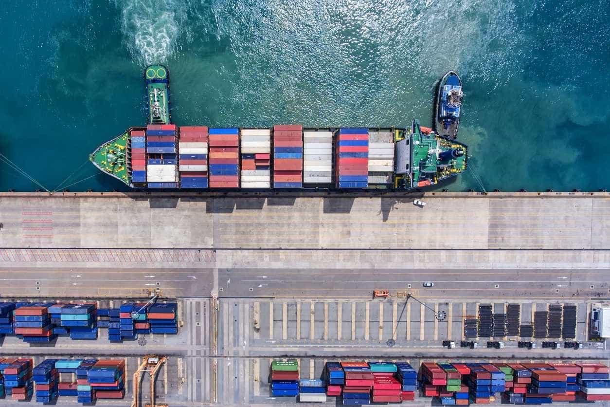 Comércio: Exportações e importações aumentaram 6,2% e 0,3% em maio