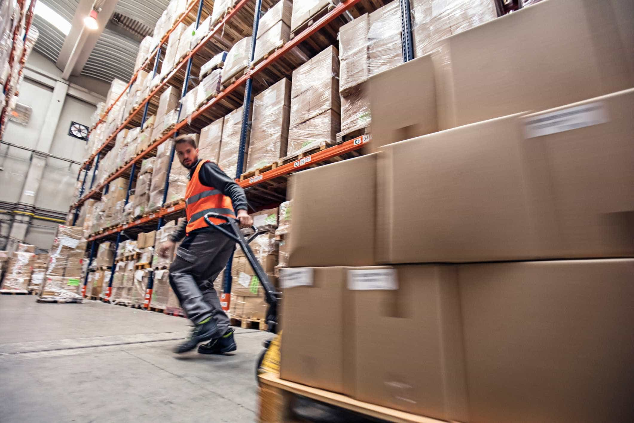 Operadora de correios espanhola vai entregar encomendas em Portugal