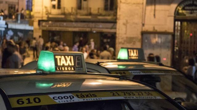 PSP detém três homens por assalto a taxista em Lisboa
