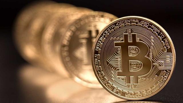 Bitcoin continua a afundar-se e cai para níveis abaixo dos 4 mil dólares