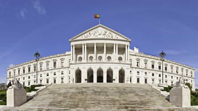 Parlamento formaliza sessão extraordinária de boas vindas a João Lourenço