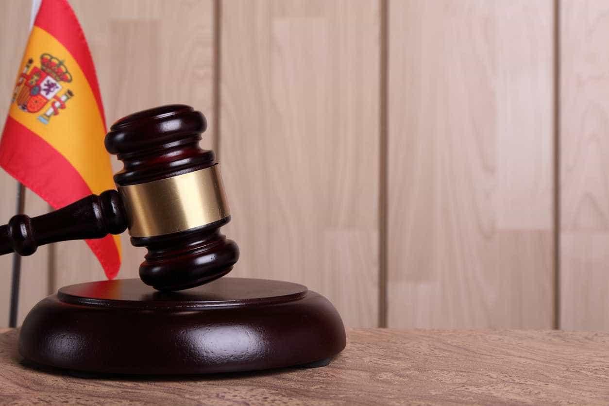 Mãe condenada em Espanha por esbofetear filho de 10 anos