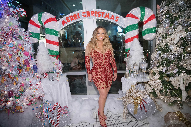 Filhos de Mariah Carey dão voz a 'All I Want For Christmas Is You'