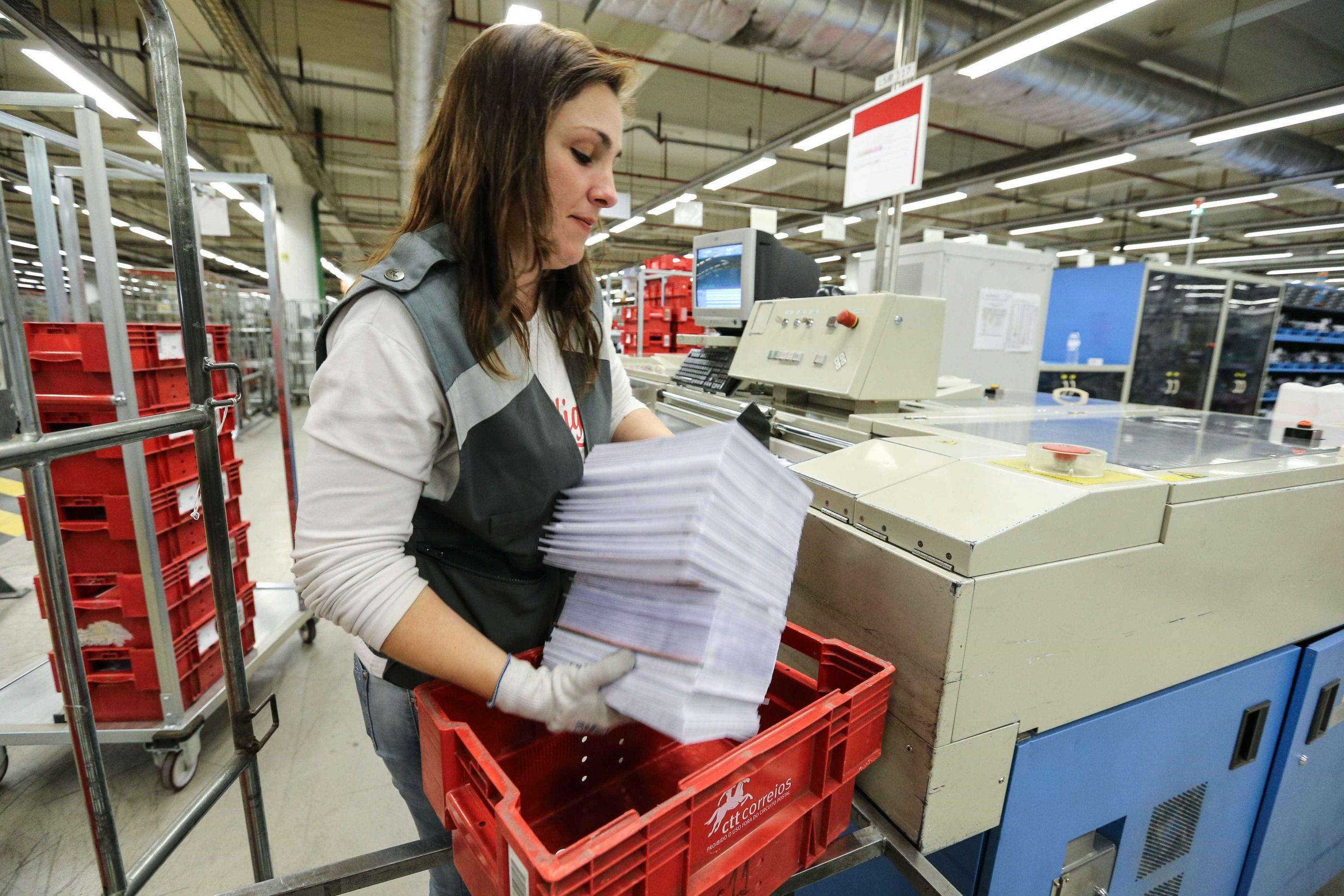 Mais de 400 trabalhadores já saíram dos CTT através de programa
