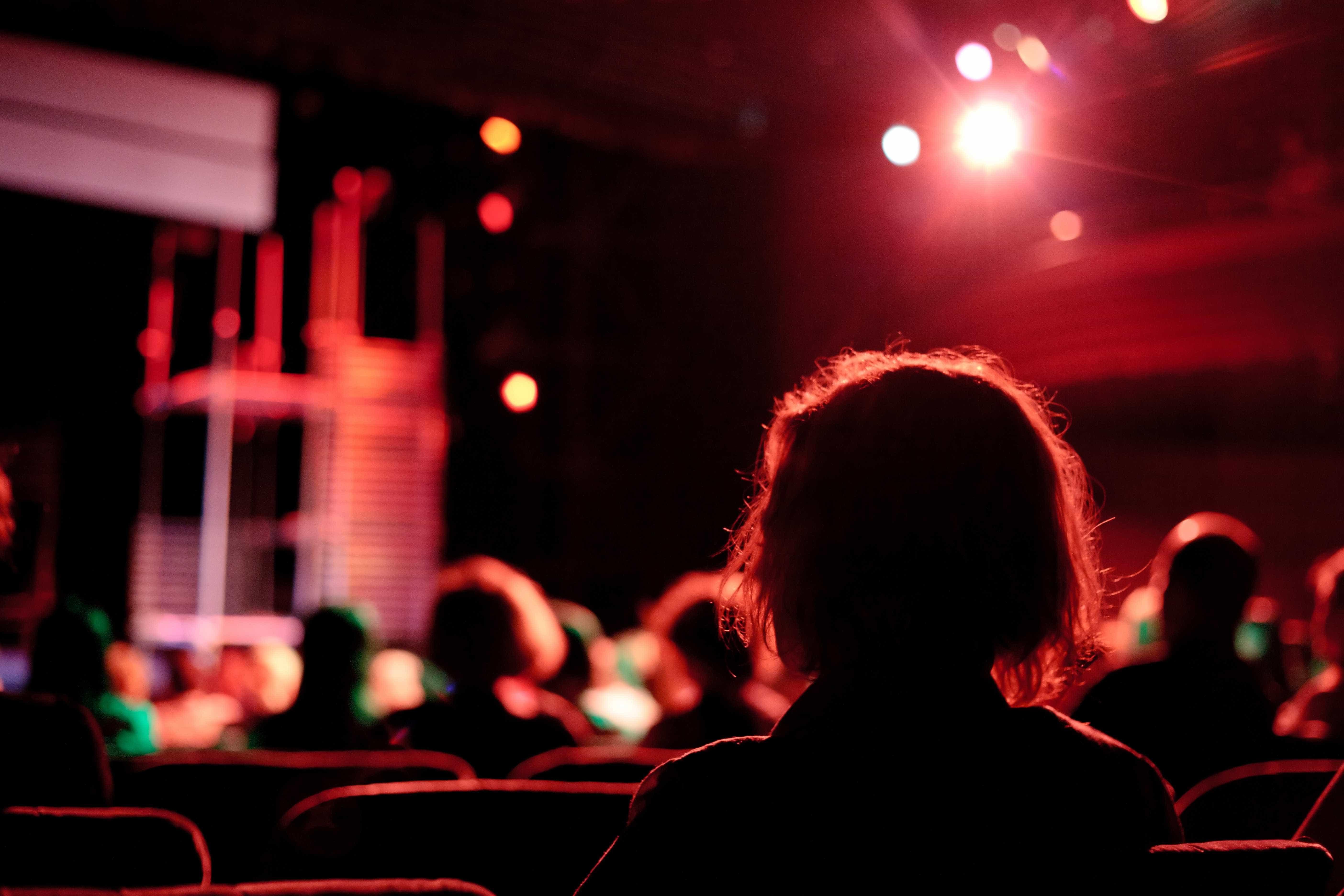 Em 'Drama', encena-se a angústia de não se poder reescrever a história