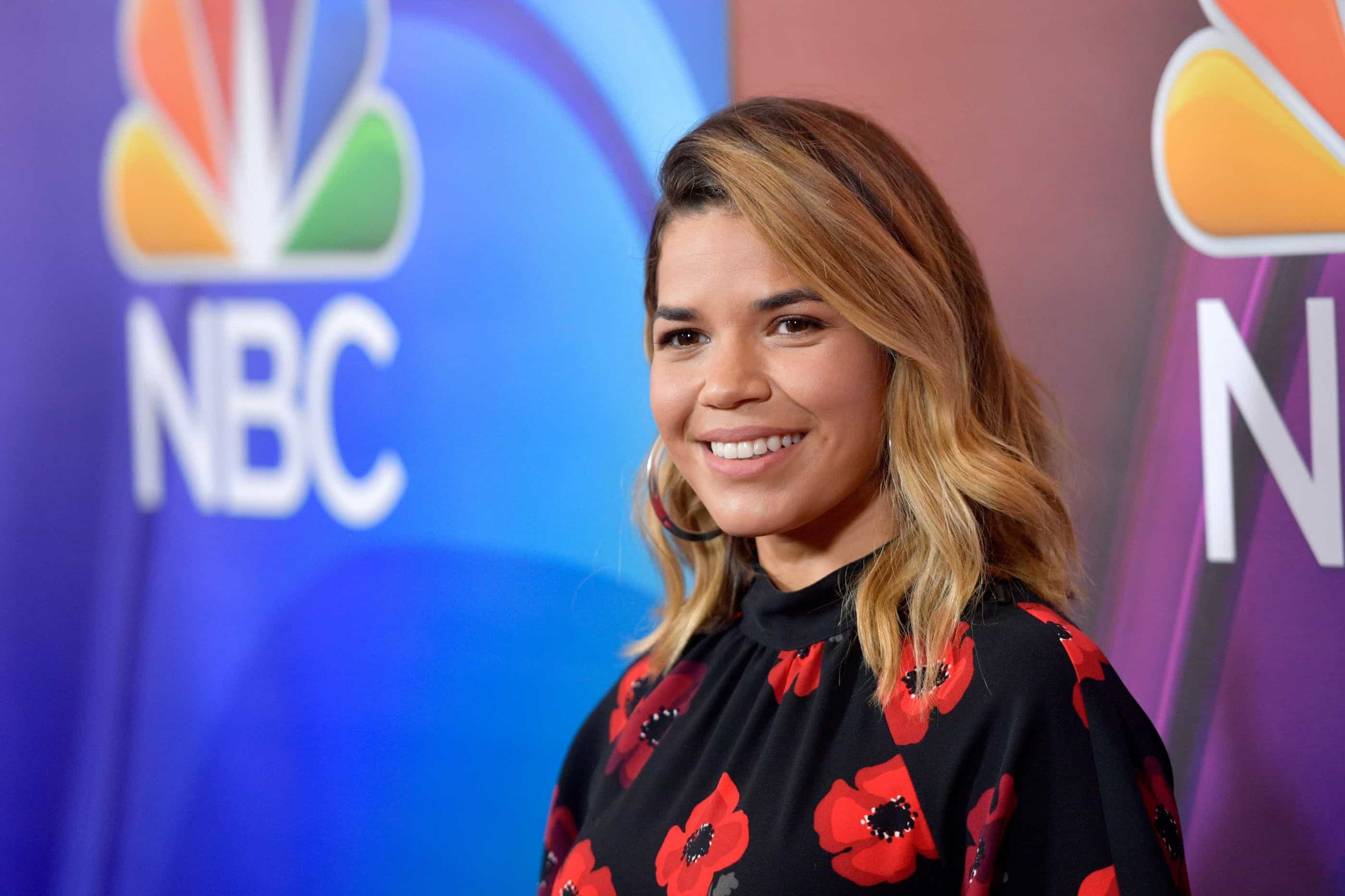 America Ferrera eleva questões sociais além da comédia em 'Superstore'