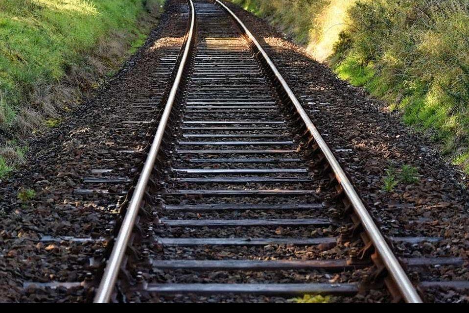 Atropelamento ferroviário mortal na linha do Minho. Circulação cortada