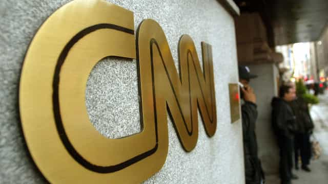CNN processa Trump e exige regresso de repórter à Casa Branca