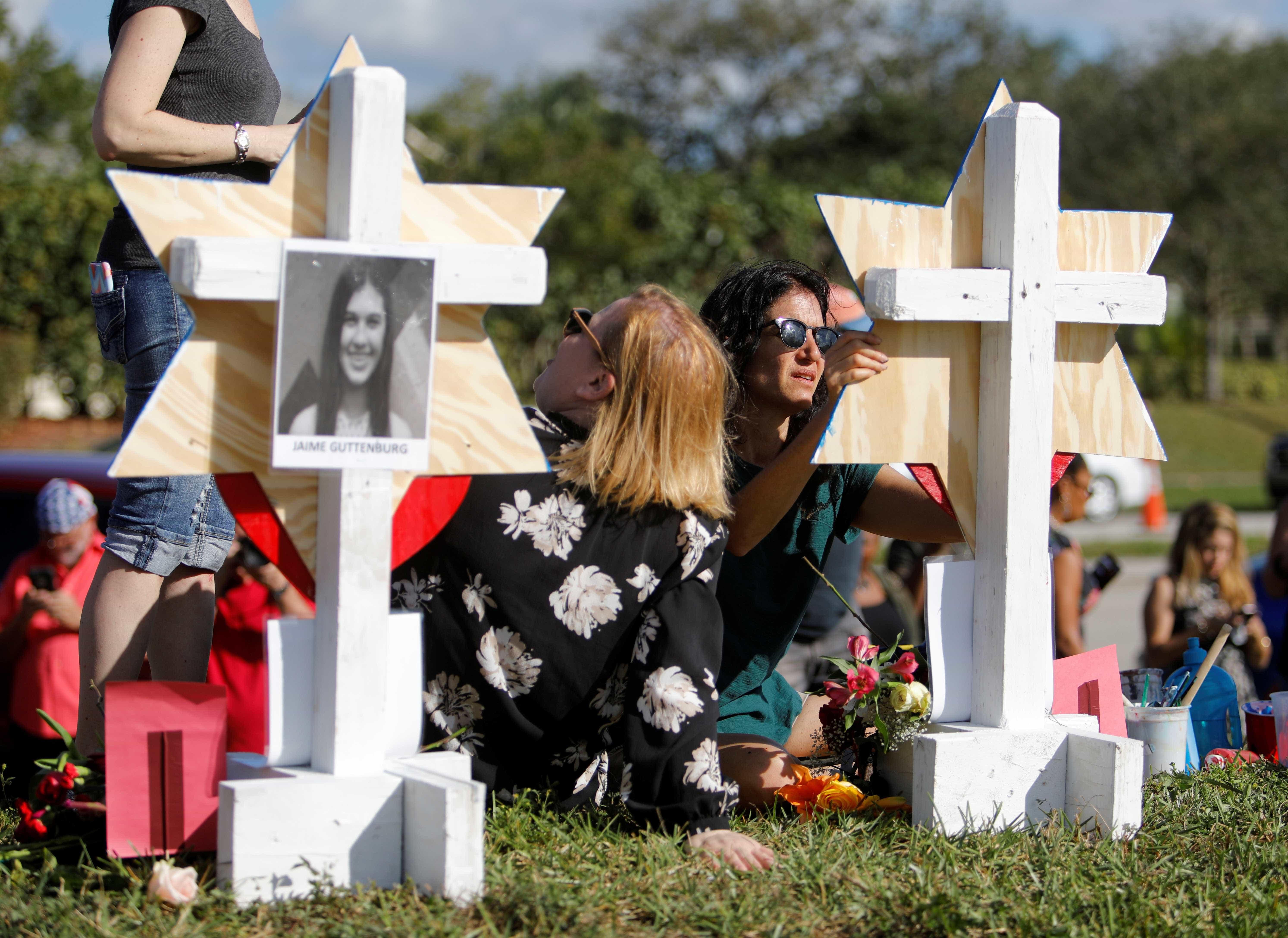 Segundo jovem sobrevivente de tiroteio em Parkland encontrado morto