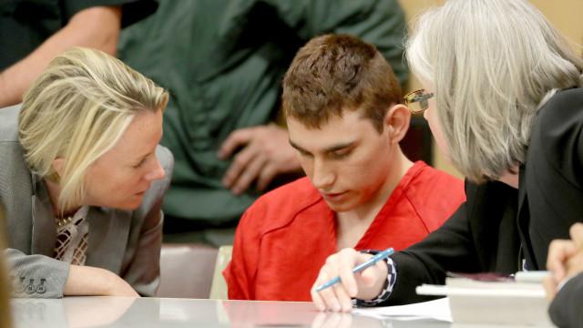 Autor de tiroteio em escola envia cartas de amor enquanto está na prisão