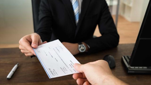 Trabalhadores recebem 73,4% do salário bruto que lhes é pago