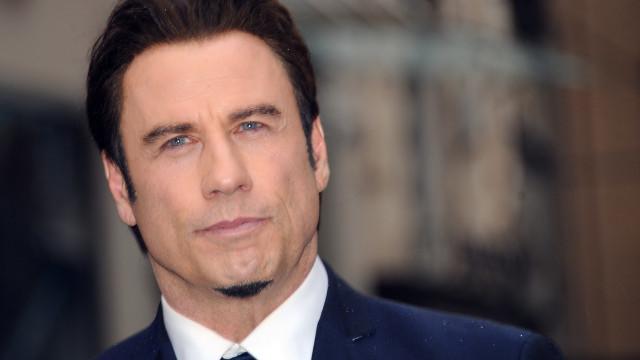 Foi Pitbull quem inspirou John Travolta a mudar radicalmente de visual