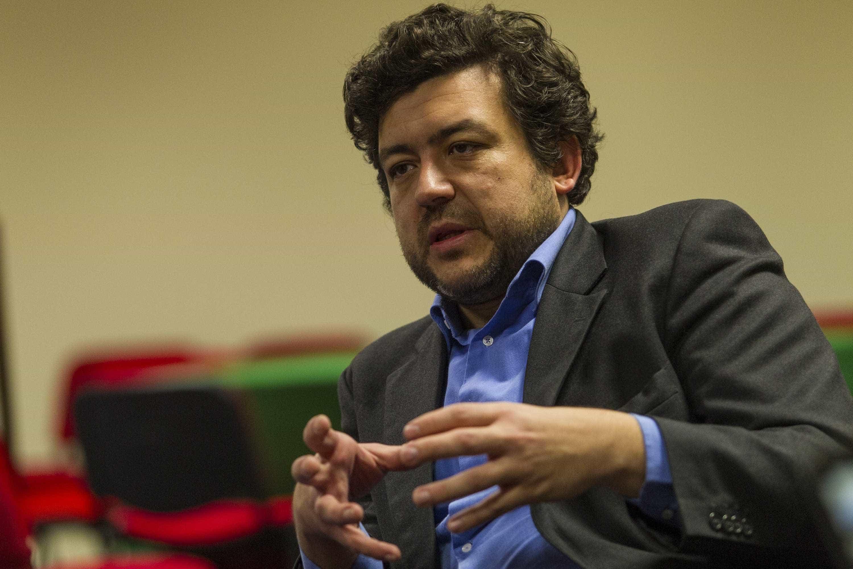 """PS """"desmente formalmente"""" acusações feitas por Marques Mendes"""