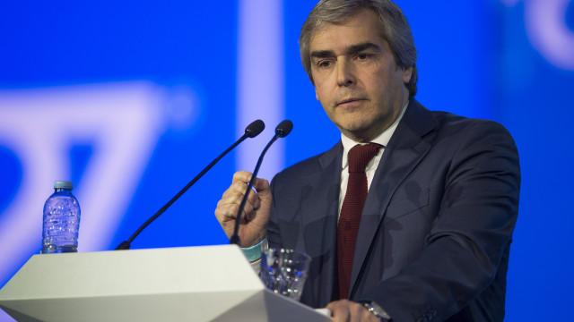 """CDS acusa Costa de virar à esquerda e fazer """"uma certa bloquização"""""""