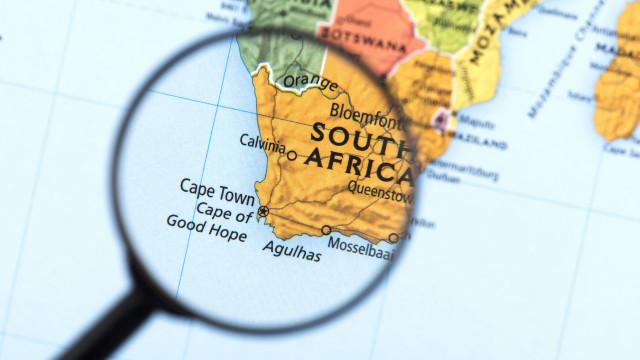 Aprovada emenda para autorizar Estado a expropriar terras