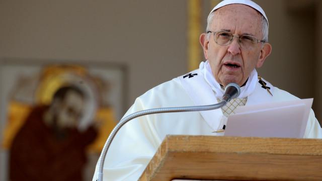 Papa reconhece que padres e bispos abusaram sexualmente de freiras