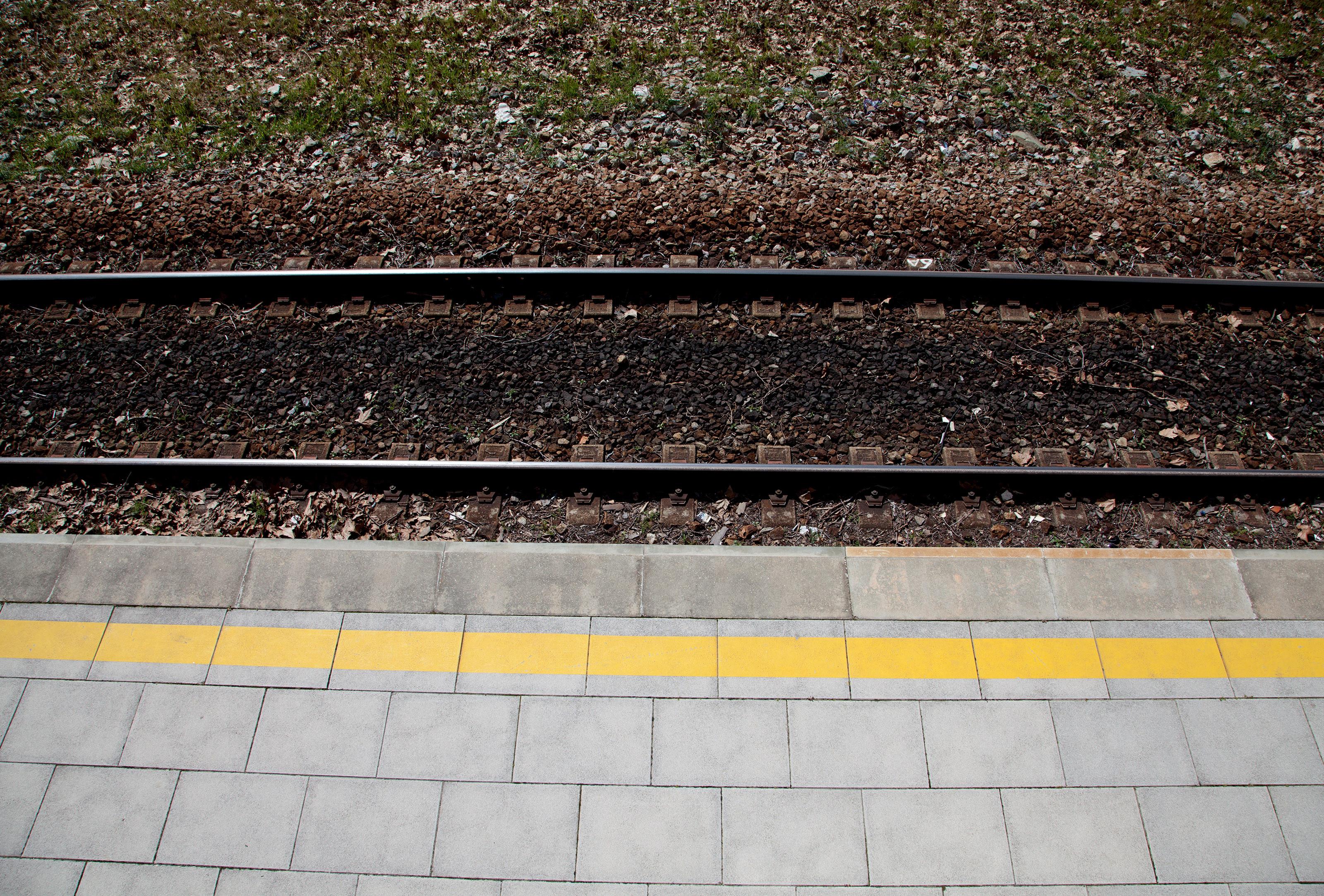 Homem morre colhido por comboio. Linha da Azambuja está cortada