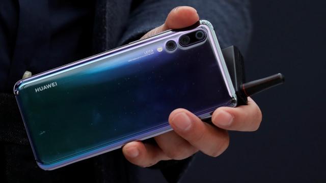 Huawei. Veja a evolução visual dos smartphones topos de gama