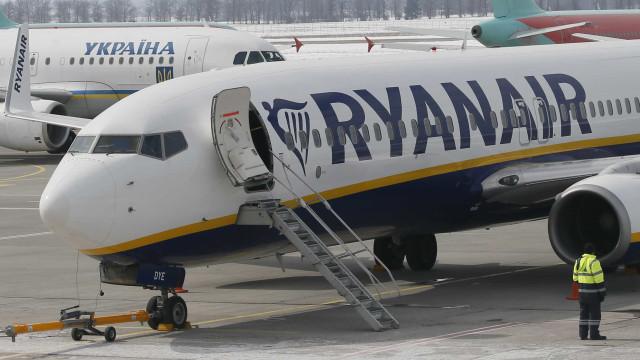 """Ryanair lança """"mega promoção"""": Um milhão de lugares com 25% de desconto"""