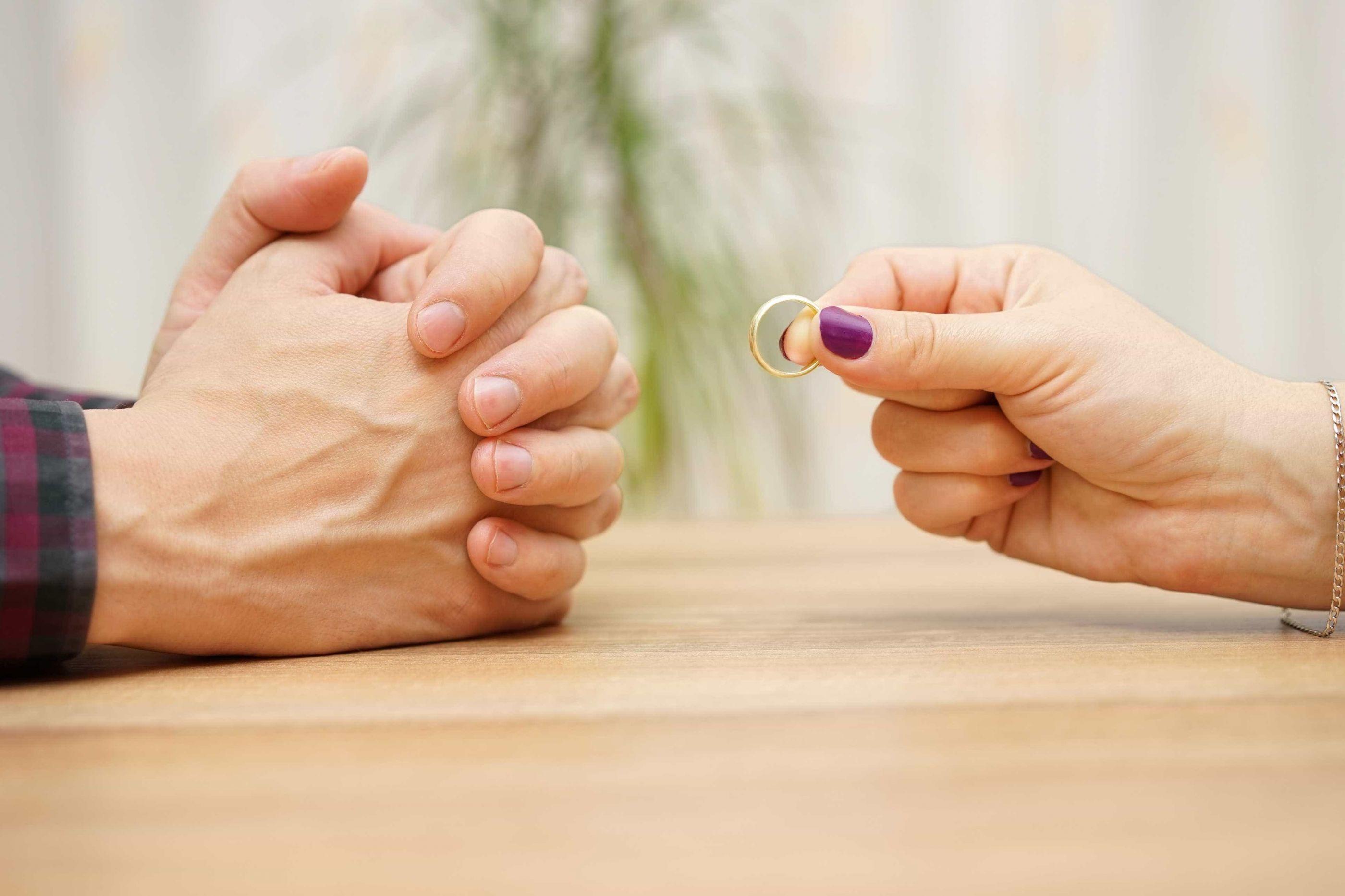 Dinamarqueses obrigados a fazer curso online para se divorciarem